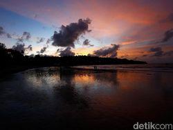 Terpukau Sunset di Pantai Jimbaran
