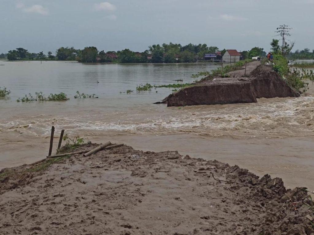 Tanggul Limpasan Demak Jebol, Sawah-Permukiman Kebanjiran
