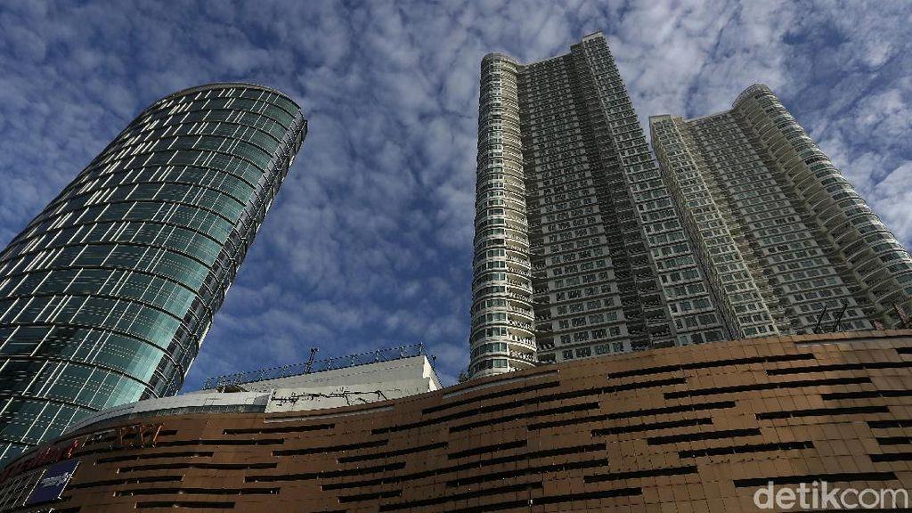 Langit Jakarta Membiru di Awal Tahun Baru