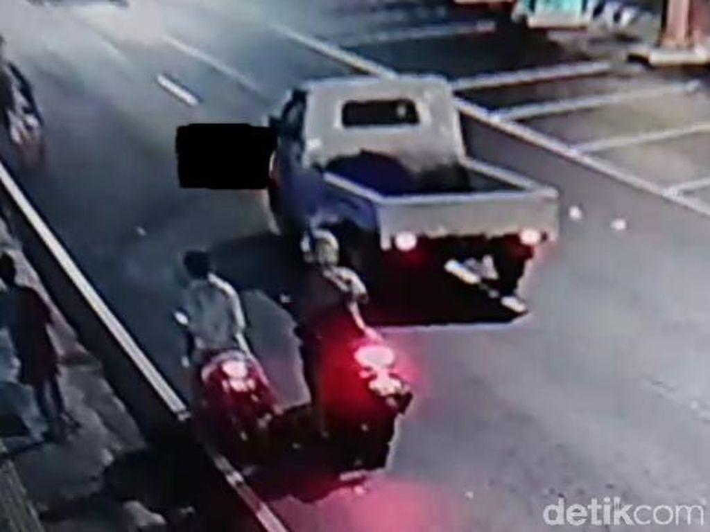 Detik-detik Tabrak Lari Tewaskan 1 ABG di Kudus City Walk Terekam CCTV