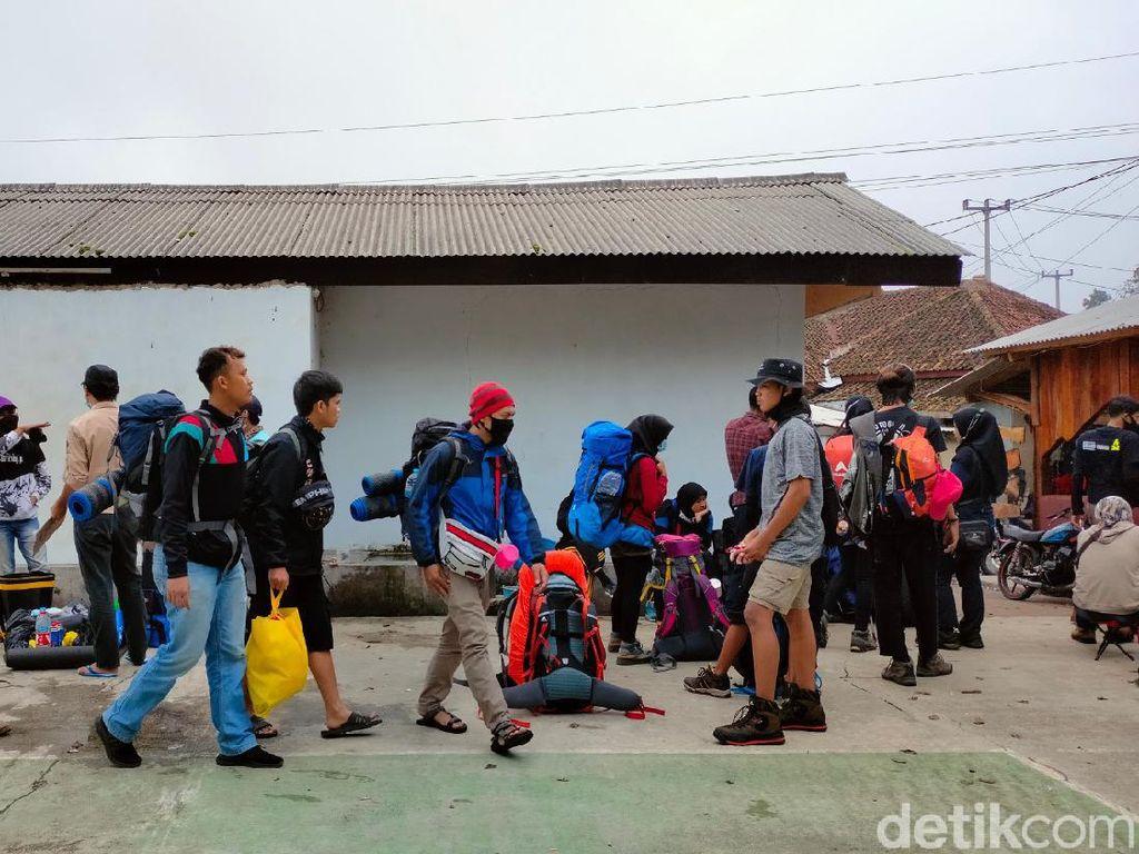 H+2 2021, Gunung Ciremai Diserbu Para Pendaki