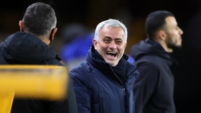 WOLVERHAMPTON, ENGLAND - DECEMBER 27:  Jose Mourinho, Manager of Tottenham Hotspur laughs prior to the Premier League match between Wolverhampton Wanderers and Tottenham Hotspur at Molineux on December 27, 2020 in Wolverhampton, England. The match will be played without fans, behind closed doors as a Covid-19 precaution. (Photo by Carl Recine - Pool/Getty Images)