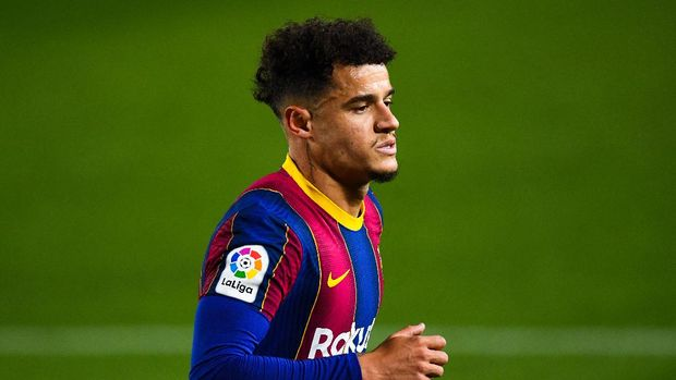 BARCELONA, SPAIN - DECEMBER 13: Philippe Coutinho of FC Barcelona looks on during the La Liga Santader match between FC Barcelona and Levante UD at Camp Nou on December 13, 2020 in Barcelona, Spain. (Photo by David Ramos/Getty Images)