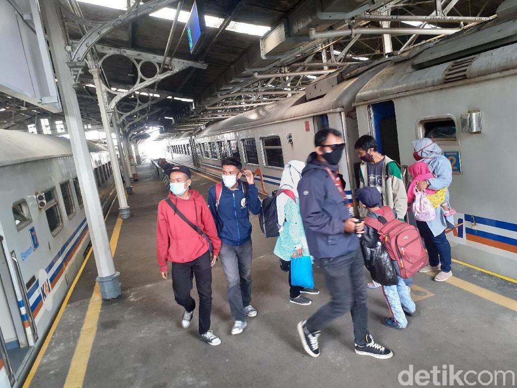 PPKM Darurat, Penumpang KA Lokal di Bandung Raya Menurun