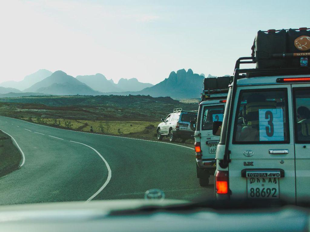 5 Destinasi Road Trip Pilihan di Indonesia untuk Liburan
