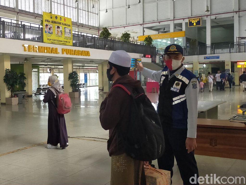 Jumlah Penumpang Libur Nataru di Terminal Purabaya Turun Drastis