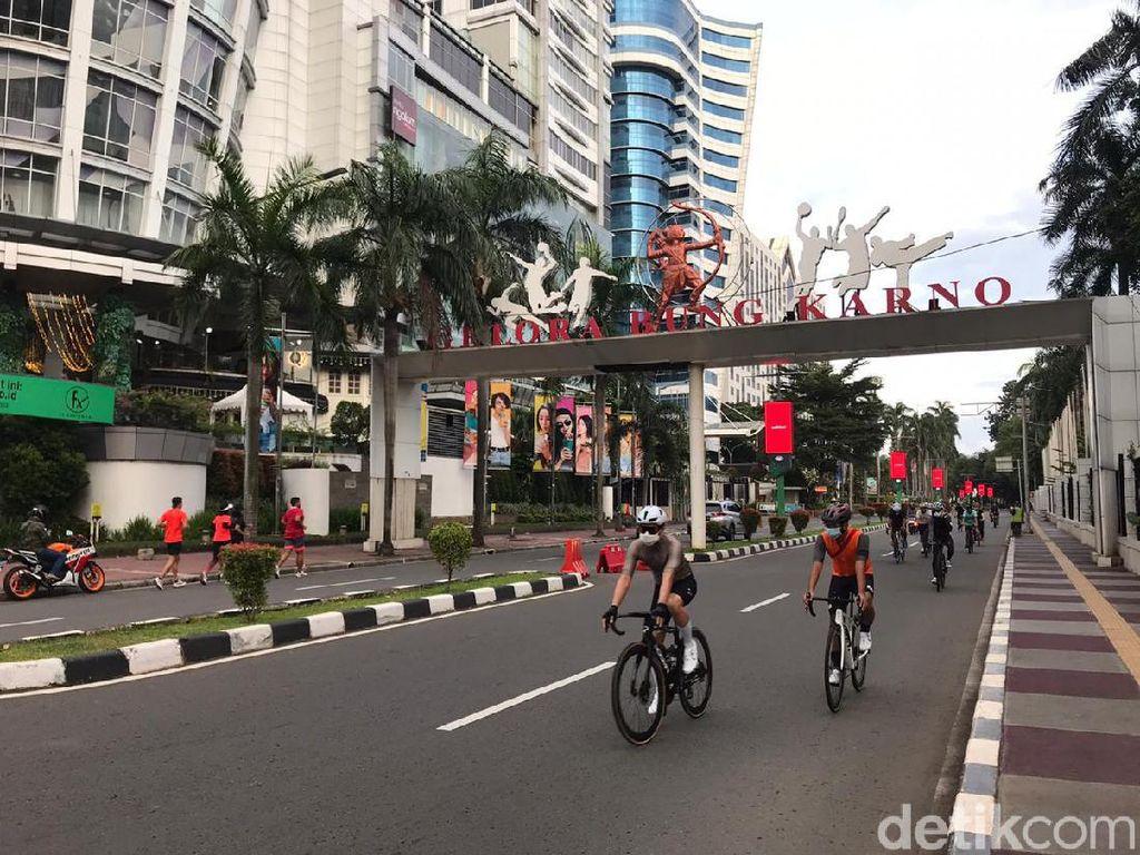 Minggu Pagi Pertama 2021, Sudirman Tetap Ramai Pesepeda