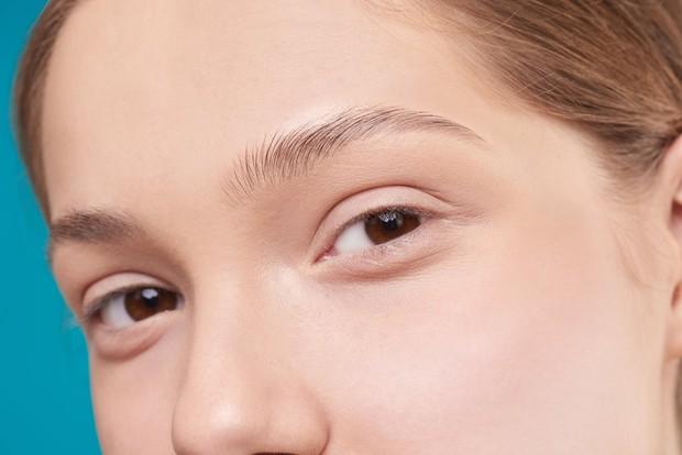 Pilihlah penghapus riasan mata yang lembut