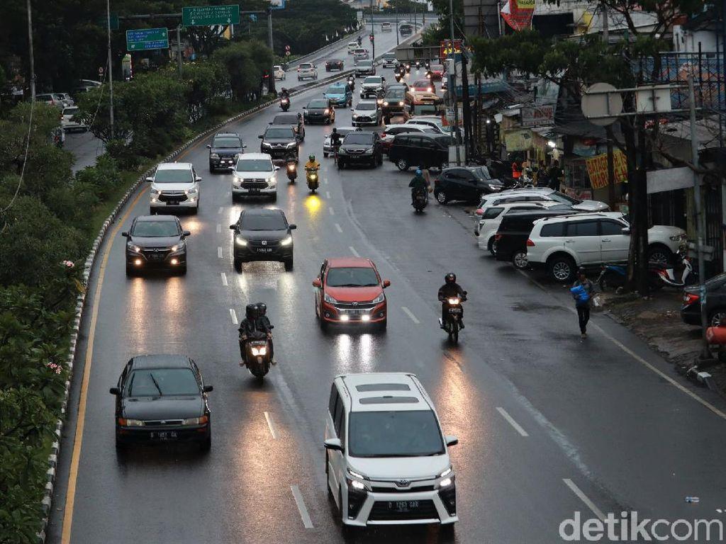 Begini Suasana di Jalan Pasteur Bandung Saat Puncak Arus Balik