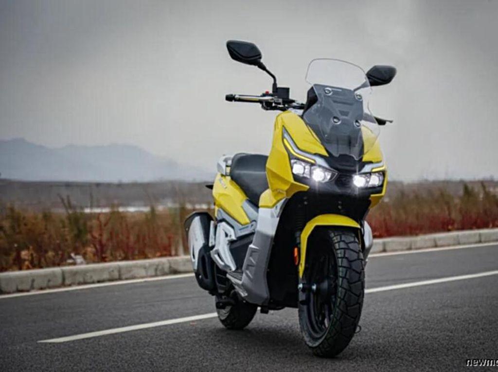 Melihat Lebih Dekat Kloningan Honda ADV 150 dari China