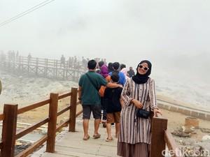 Jumlah Wisatawan Menggila, Kawah Sikidang Dieng Ditutup Sementara