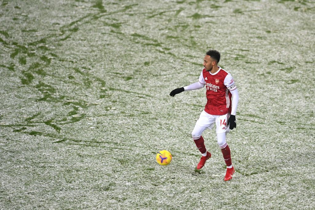 WEST BROMWICH, ENGLAND - JANUARY 02: Pierre-Emerick Aubameyang of Arsenal runs with the ball during the Premier League match between West Bromwich Albion and Arsenal at The Hawthorns on January 02, 2021 in West Bromwich, England. The match will be played without fans, behind closed doors as a Covid-19 precaution. (Photo by Michael Regan/Getty Images)