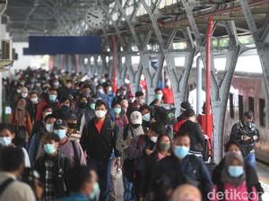 Cerita Penumpang di Stasiun Senen soal Penerapan Prokes di KA Saat Mudik