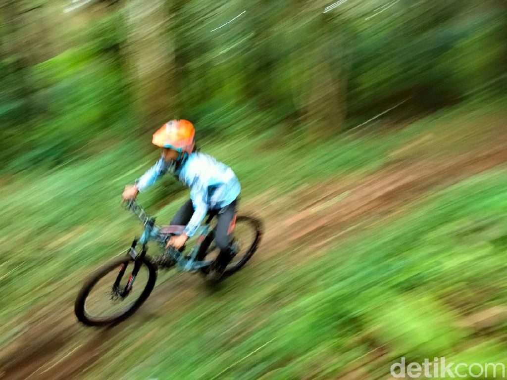 Pecinta Downhill, Ada Trek Baru Nih di Gunung Ciremai