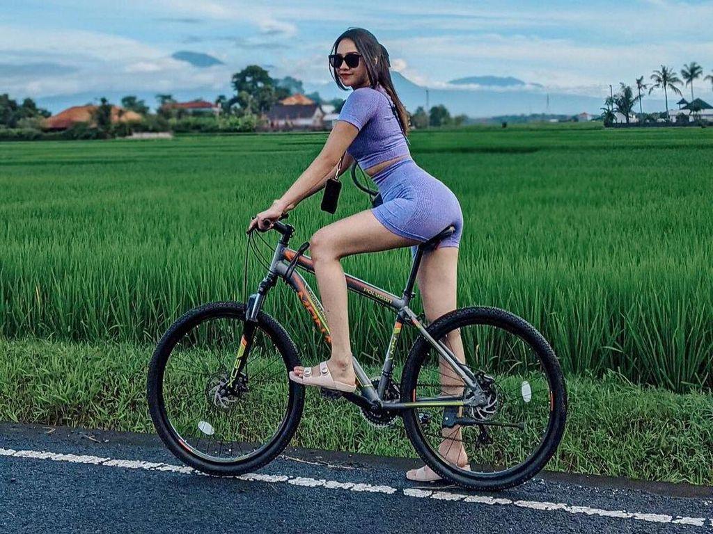 Jatuh Lagi dari Sepeda, Anya Geraldine: Apa Jodoh Gue Aspal?