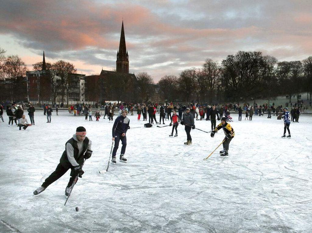 Begini Cara Warga di Inggris Nikmati Musim Dingin