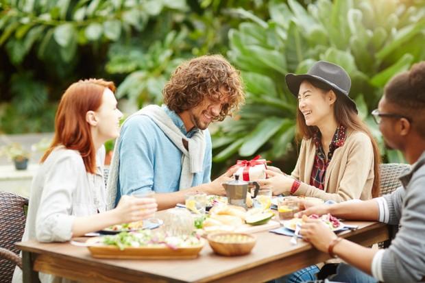Bersikap Baik Kepada Orang Lain/Foto: Freepik.com