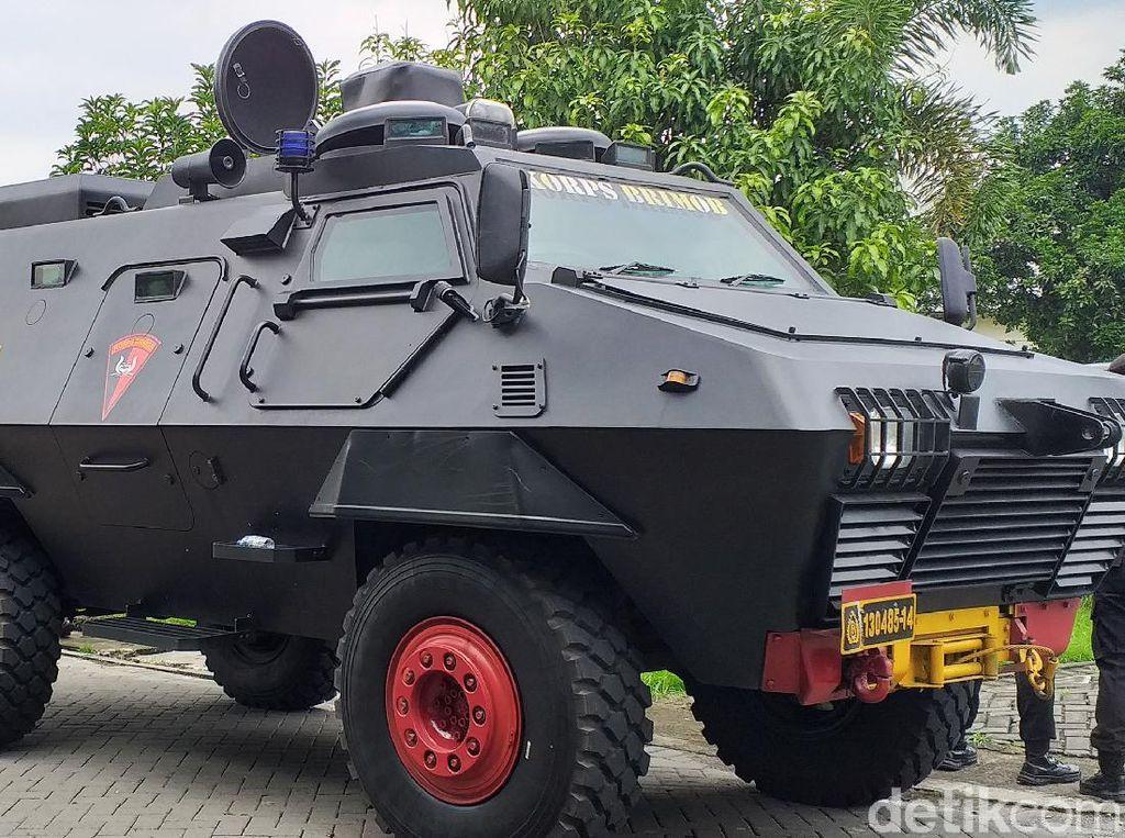 Dikawal Barracuda, Vaksin COVID-19 Tiba di Surabaya