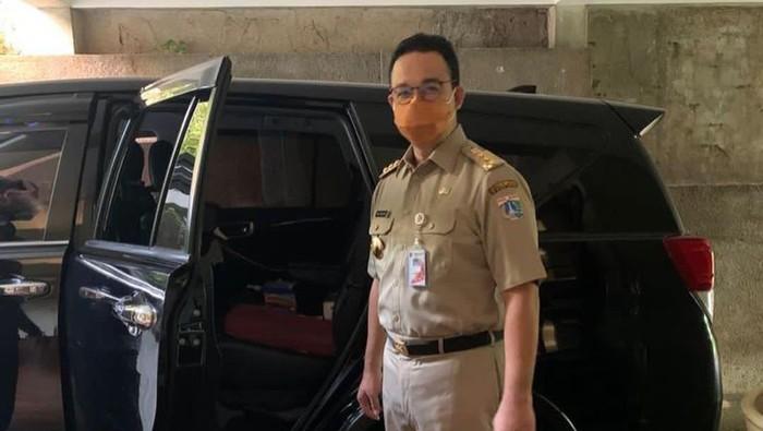 GGubernur Anies mulai kembali berkantor di Balai Kota setelah hampir sebulanmelakukan isolasi mandiri COVID-19