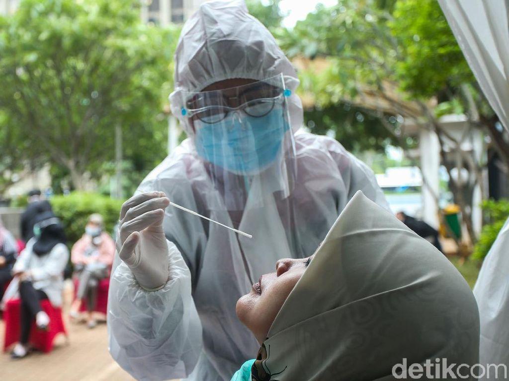 Persi hingga Gakeslab Indonesia Minta Tenggat Penurunan Harga Tes PCR