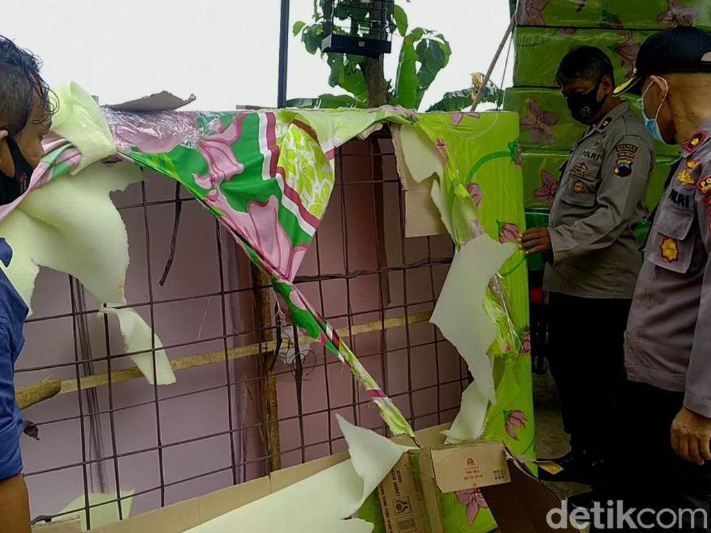 Waspada Lur! Penjual Spring Bed Abal-abal Keliling Kampung Modus Cuci Gudang