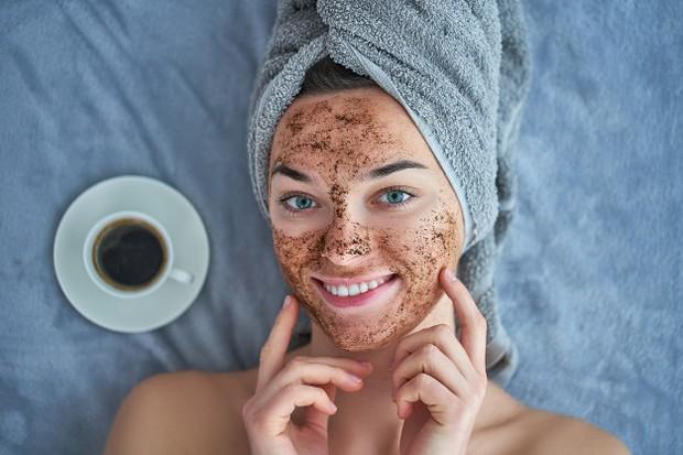 Berbagai manfaat kafein yang ada dalam skincare.