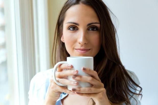 Berbagai manfaat baik kafein yang ada di dalam skincare.