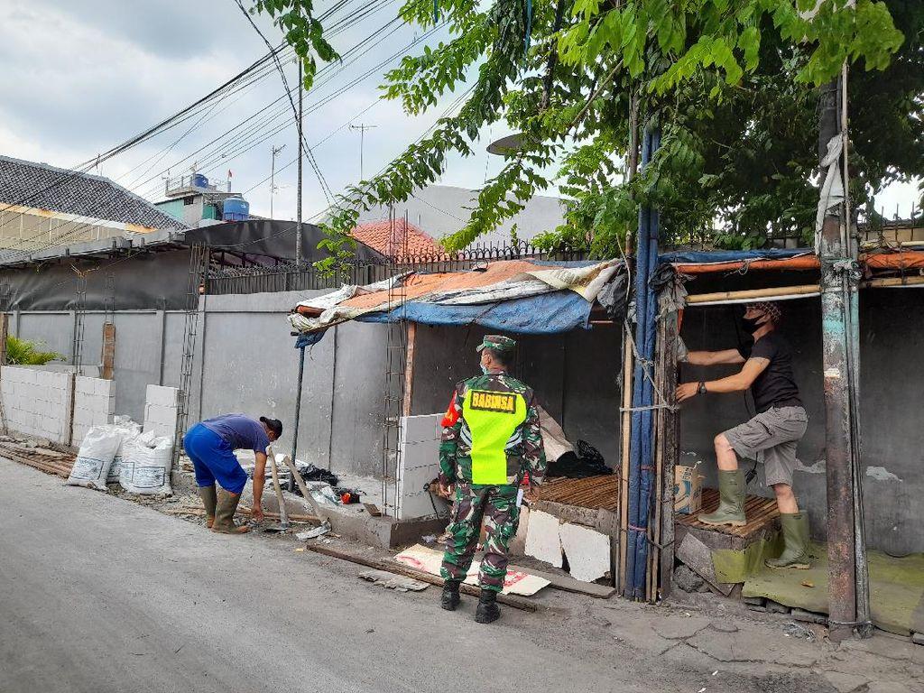 Pembangunan Pos 3 Pilar Petamburan Terhenti, Ketua RW: Tukangnya Sakit