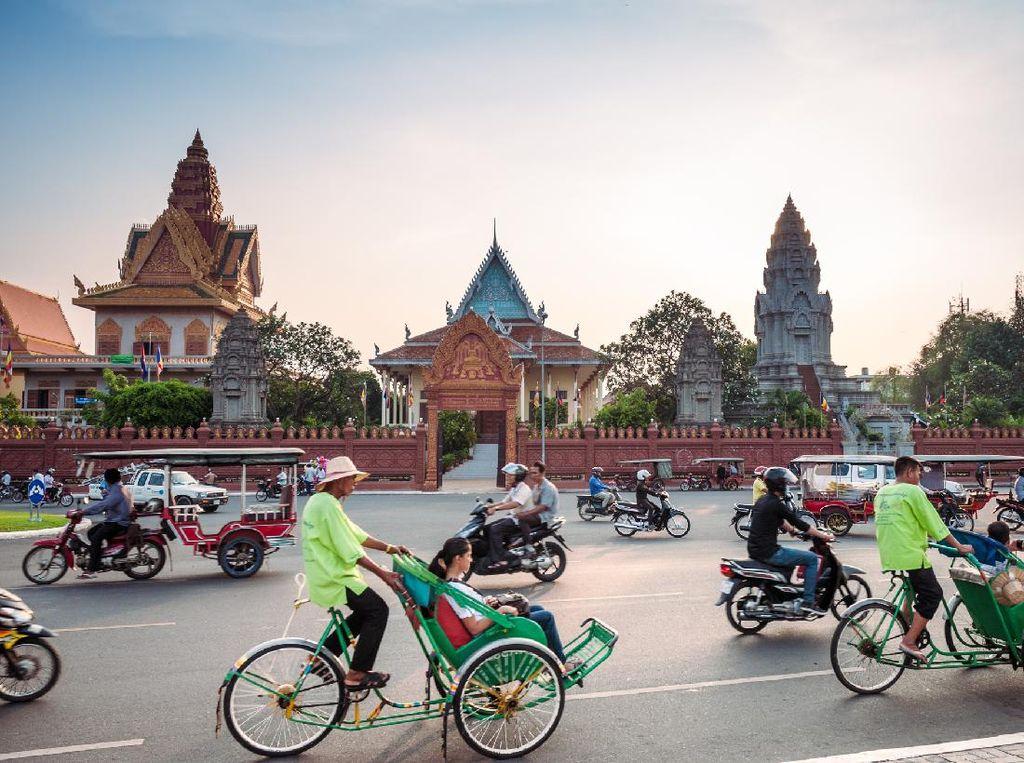Setelah 6 Pekan Lockdown, Kamboja Buka Sekolah dan Museum Lagi