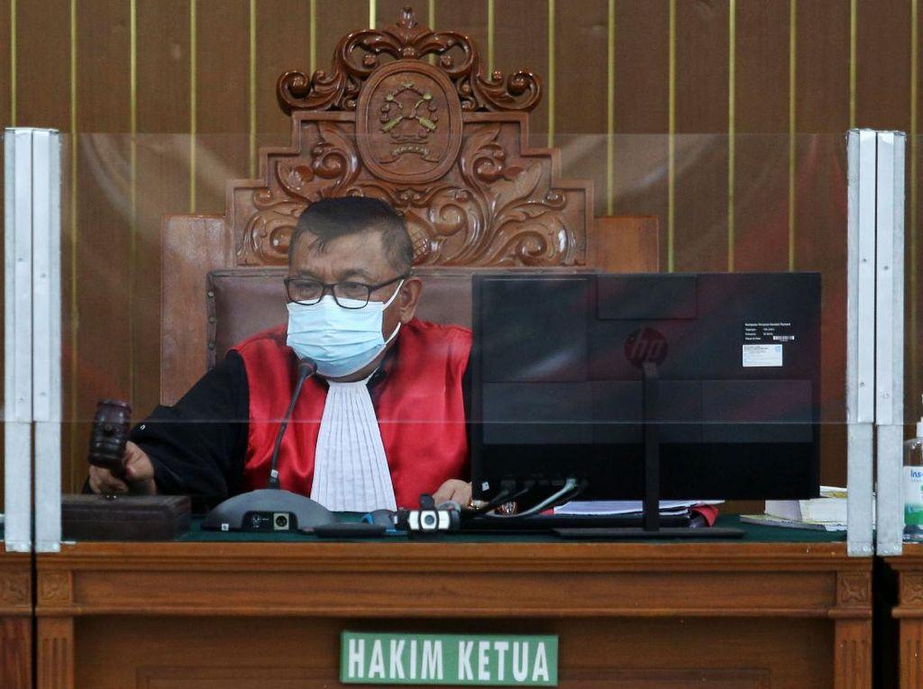 Hakim Tolak Permintaan Habib Rizieq Dihadirkan di Praperadilan