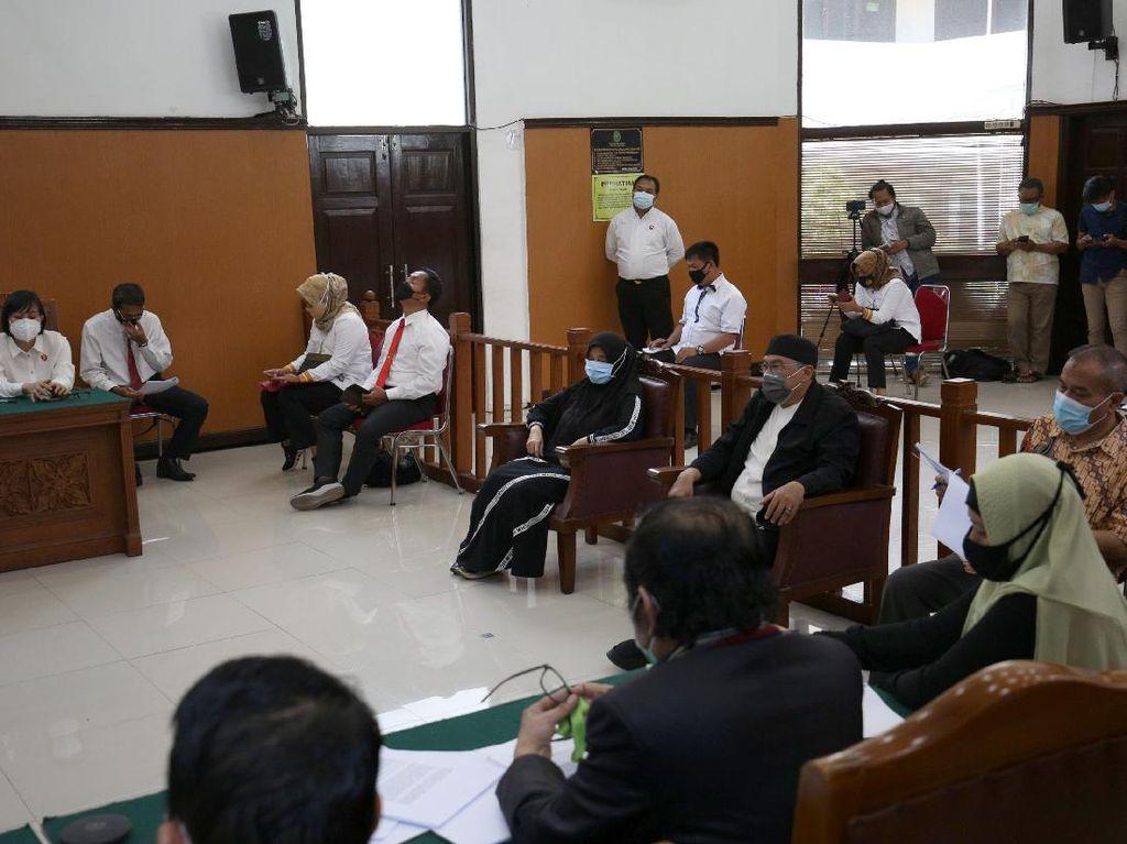 Kuasa Hukum Minta Habib Rizieq Dihadirkan dalam Sidang Praperadilan