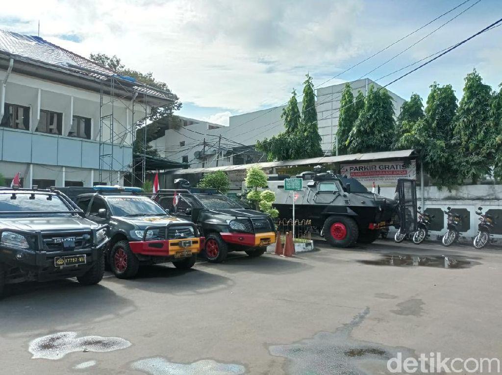 Situasi Jelang Praperadilan HRS di PN Jaksel, Ada Raisa-Water Cannon