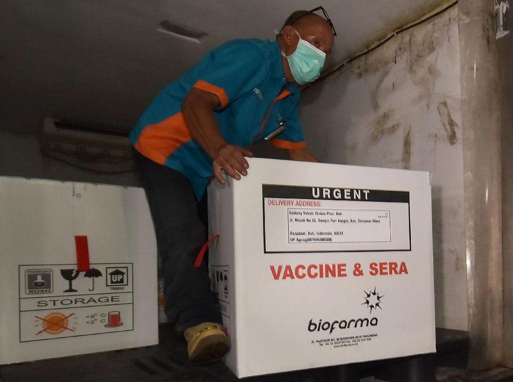20 Ribu Dosis Vaksin Covid-19 Tiba di Kendari, Dikawal dengan Ketat