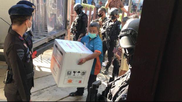 36.920 Dosis Vaksin Corona untuk Tenaga Kesehatan Tiba di Padang