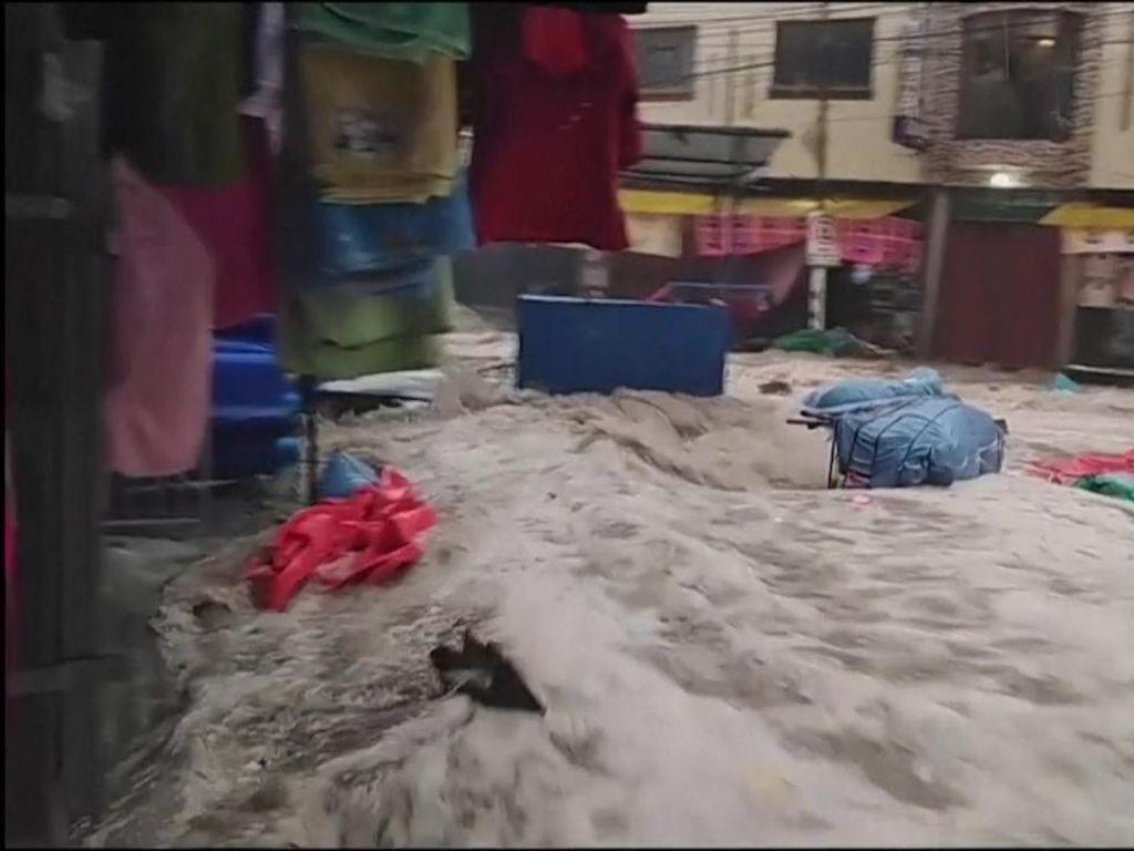 Bolivia Luluh Lantak Diterjang Banjir Bandang, 4 Orang Tewas