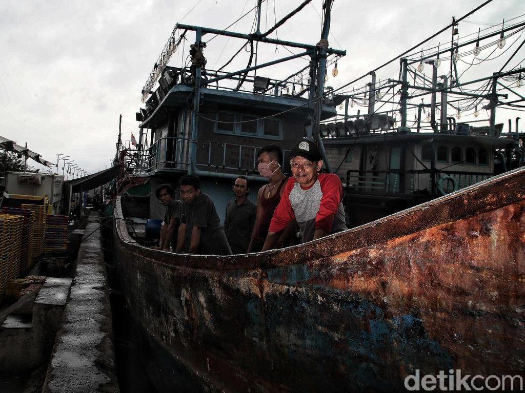 Foto: Saat Nelayan Curhat Pendapatan Surut Gegara Cuaca Buruk