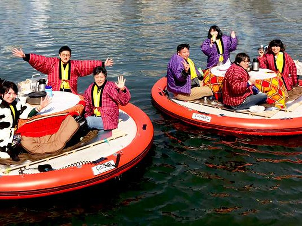 Piknik Sambil Mengapung di Sungai Bisa Dilakukan di Jepang