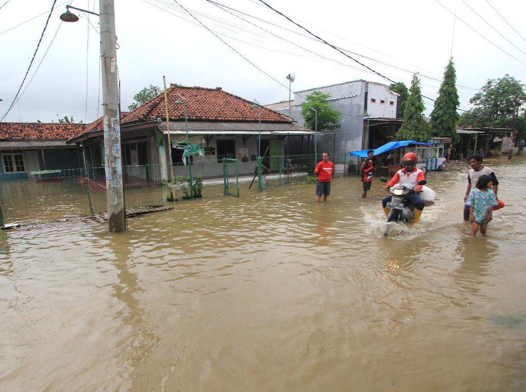 Banjir Indramayu, Plt Bupati Tetapkan Status Tanggap Darurat Bencana