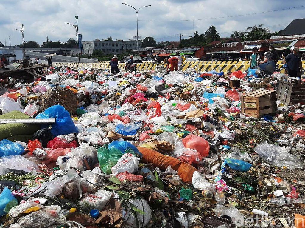 Masalah Tumpukan Sampah di Pekanbaru Terjadi Sejak 2016