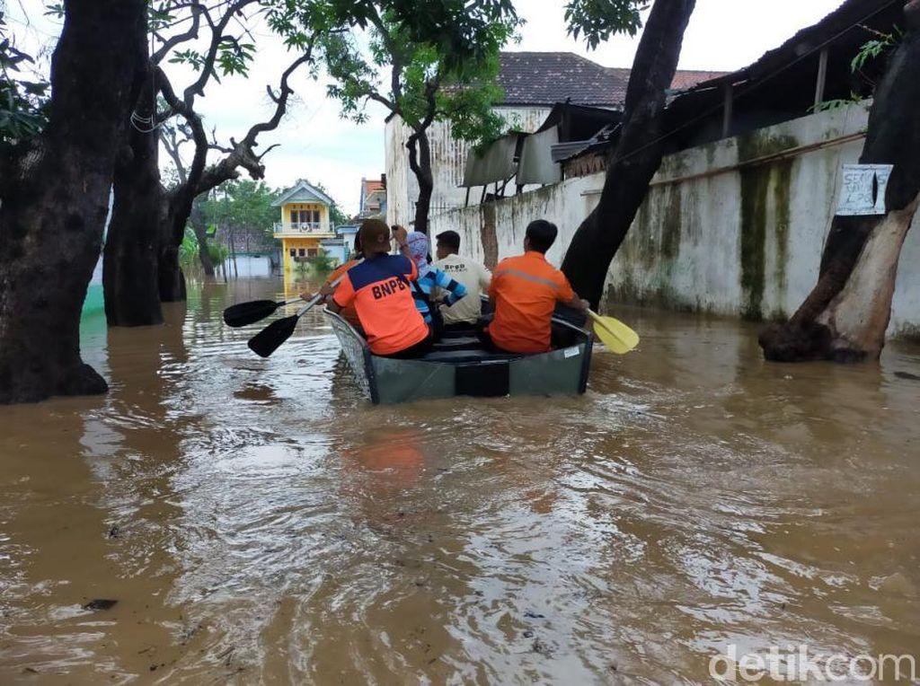 Evakuasi Warga Saat Banjir, 3 Petugas BPBD Kota Pasuruan Tersengat Listrik