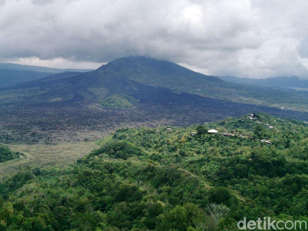 Imigrasi Bali Belum Temukan Identitas Asli Bule Mesum di Gunung Batur