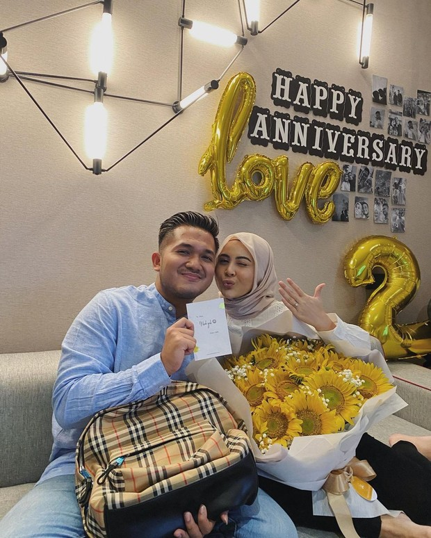 Kesha dan Adhi merayakan anniversary/instagram.com/adhipermana_
