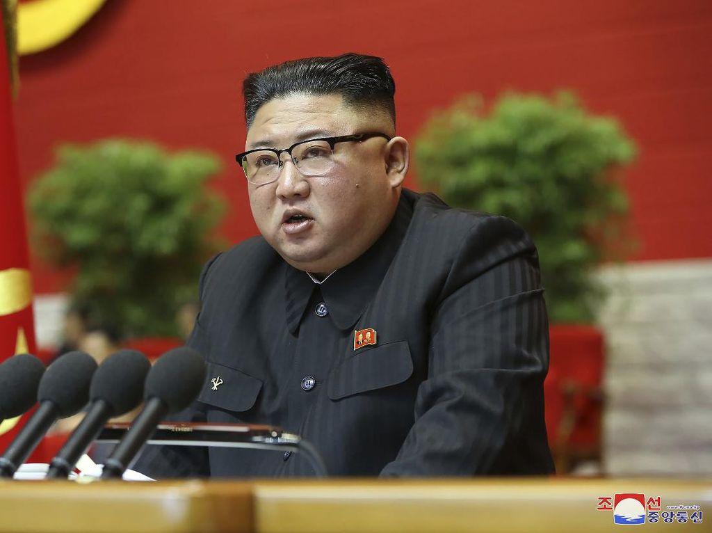 Saat Kim Jong-Un Pecat Menteri Ekonomi yang Baru Sebulan Menjabat