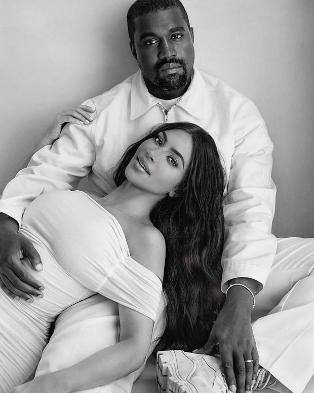 Setelah hampir tujuh tahun menikah Kim Kadarshian dan Kanye Wes dikabarkan bercerai