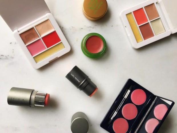 Hal ini akan menjadi solusi untuk makeup lebih singkat dan tidak repot.