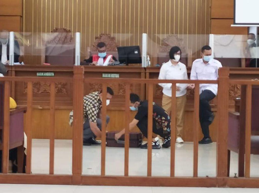 Sidang Praperadilan HRS, Polda Metro Serahkan Sekoper Bukti Tertulis