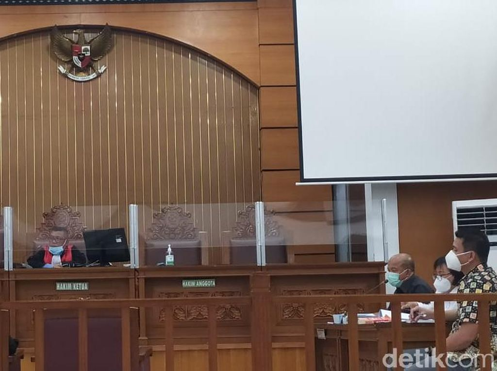 Tim Hukum Polda Metro Cecar Saksi HRS soal Prokes Acara Maulid di Petamburan
