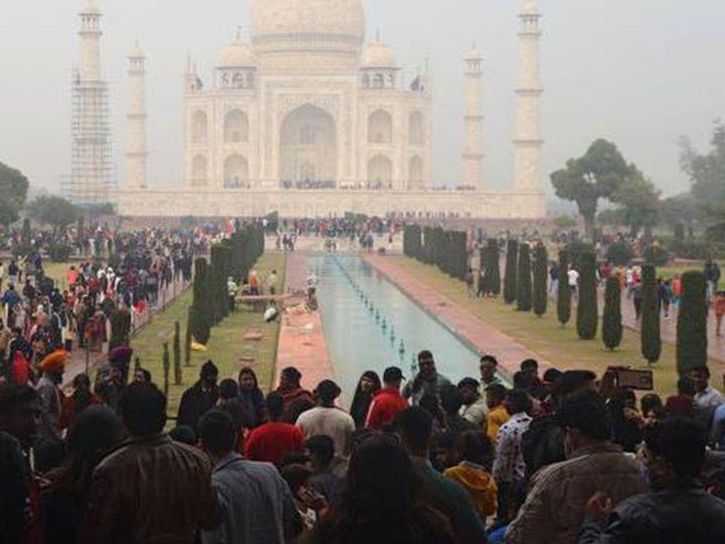 Taj Mahal yang Kembali Hidup