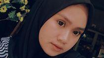 Kisah Gadis yang Sempat Sandang Nama Tanda Baca . , Bukan Titik