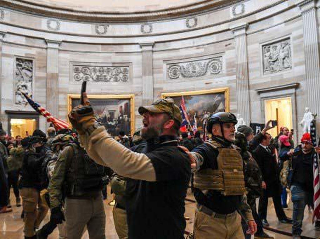 Buntut Panjang Rusuh di Capitol Bikin AS Dijuluki Republik Pisang